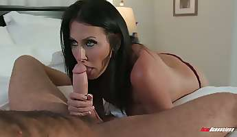 stunning sexy bootyful and busty milf reagan foxx gives such a fantastic bj