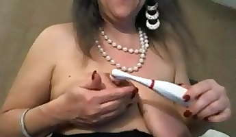 mature with big clit and big saggy tits  negrofloripa