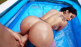 curvaceous babe wrestles bf to win his cock