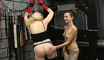 rough spanking and harsh thraldom on womans slit