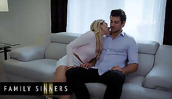 khloe kapri has a huge crush on jay smooth and cannot contain herself around him  family sinners