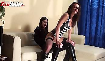 wild lesbo in latex corset sarah dark wanna eat and masturbate wet pussy