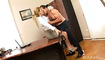 his monster cock was more than enough to please brooklyn lee