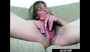 hairy pussy of 42 year old mommy lydia