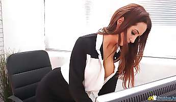 mesmerizing secretary layla is eager to demonstrate her stunning cleverage