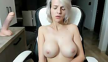 grey head getting naked playing pussy on cam